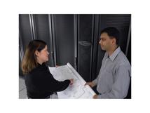 InfraStruXure Operations Floor Equipment Identification - Installation - Vor-Ort - Geschäftszeiten - für P/N: AP9465, AP9470, AP9475, AP9480